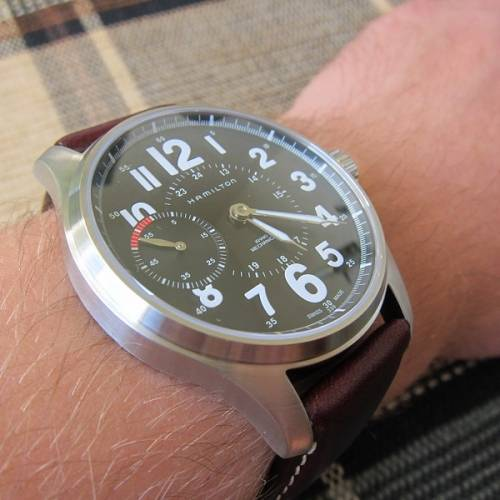 Давайте попробуем разобраться, почему со смертью человека часы останавливаются, используя имеющиеся на сегодня версии.